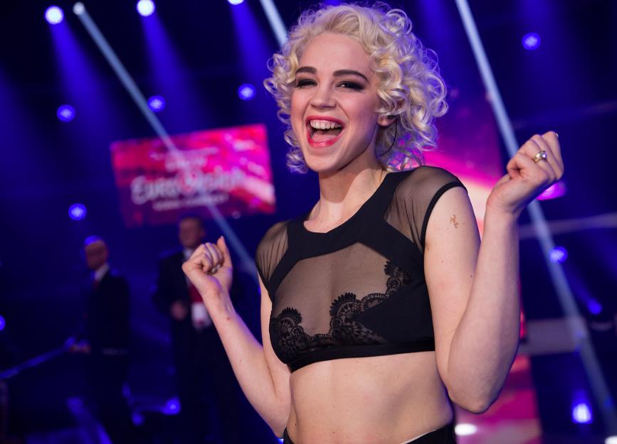 Rykka kurz nach ihrem Sieg in der Eurovision Entscheidungsshow